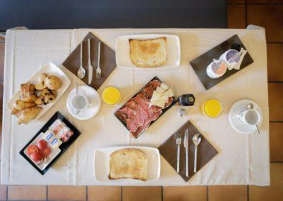 Desayunos completos en hostal